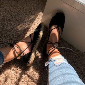 Shoes - Black lace up shoes